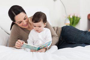 Kể chuyện cho bé nghe giúp bé rèn luyện cho bé tư duy nhanh nhạy hơn
