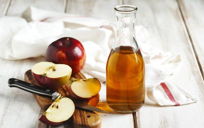 """Công thức trị sẹo mụn hiệu nghiệm với """"toner giấm táo"""""""
